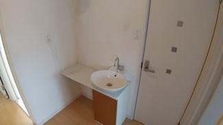 八千代市萱田町 中古戸建 八千代中央駅 2階トイレ横にはミニ水栓もついています!