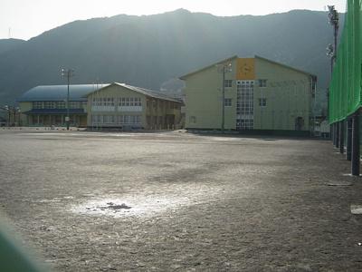 石津小学校まで1,200m