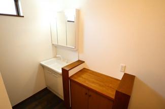 佐倉市白銀 中古戸建 京成佐倉駅 2階独立洗面台。朝の忙しい時間に便利な独立洗面台2か所つき。