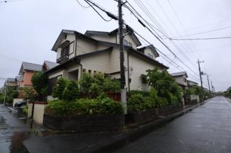 佐倉市白銀 中古戸建 京成佐倉駅 東側公道約6.0mと、北側公道約6.0mに接道しています。
