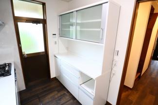 佐倉市白銀 中古戸建 京成佐倉駅 カップボード付き、勝手口付きで収納、ごみ処理に便利です。