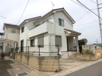 「鴻巣駅」徒歩8分の好立地、陽当り良好です。