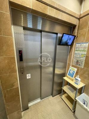 セレッソコート中之島南 エレベーターは防犯カメラ付き