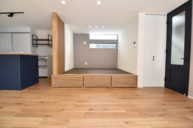 あえて段差をつけた和室。和室の下は収納になっていて、とても便利なアイテムです。