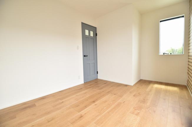 シンプルでかわいらしいデザインが特徴の各居室内