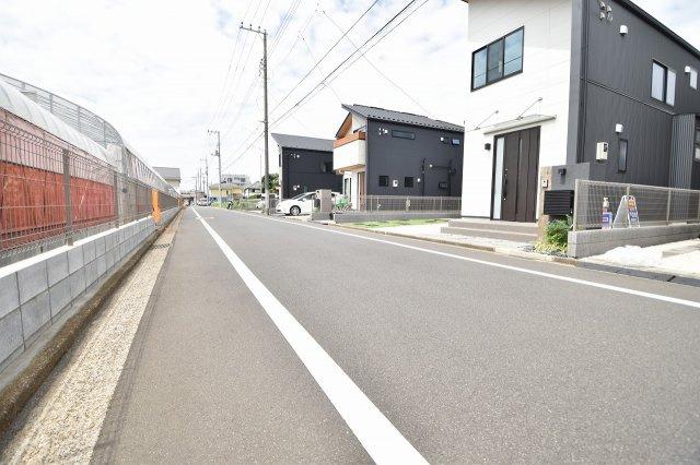 JR中央線「三鷹」駅まで徒歩25分でもアクセス可能です。バス利用の方はバス停まで徒歩4分です。