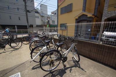 「敷地内に駐輪スペースあります」