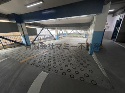 諏訪町立体駐車場S
