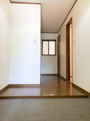 広々とした玄関スペースです♪大き目のシューズボックスも置けそうです♪