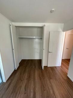 1階6帖洋室です。クローゼットも大きさがります。