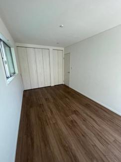 2階7.5帖の洋室です。クローゼット2ヶ所!