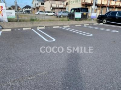 駐車場に車を止められます 【COCO SMILE】