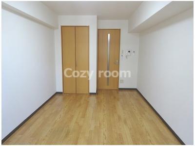 洋室は、8.2帖と広めです。