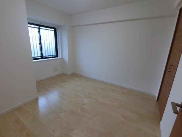 洋室1です。 主寝室にいかがでしょうか。