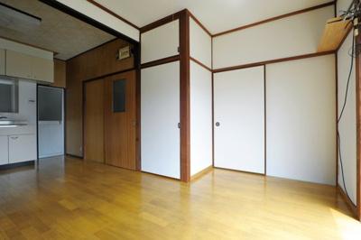 【居間・リビング】武久町二丁目K貸家
