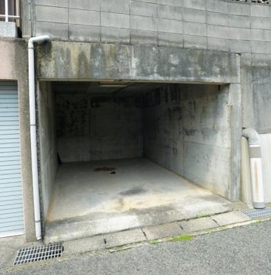 【駐車場】武久町二丁目K貸家
