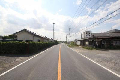 県道阿佐間・幸手線(幅員:9.5m~9.7m)南東側より撮影