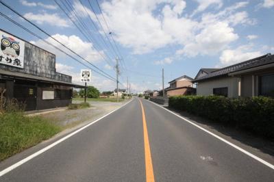 県道阿佐間・幸手線(幅員:9.5m~9.7m)南西側より撮影