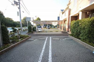 【駐車場】エレガントⅢ