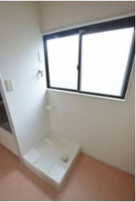 洗濯機置き場は室内です*別室参考写真です