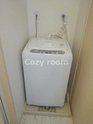 室内洗濯機付きです。