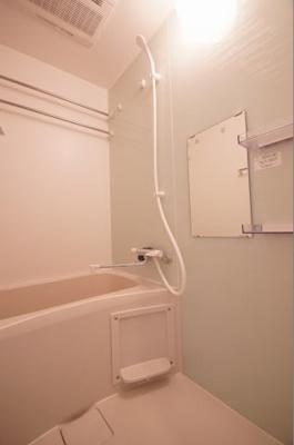 「人気条件のバス・トイレ別です」