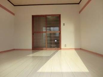 イメージ写真(床の色はお部屋により異なります)
