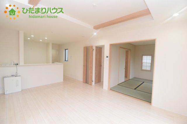 【居間・リビング】桶川市坂田西3丁目 中古一戸建て
