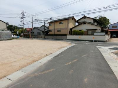 団地内道路は幅員4m。