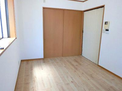 【現地写真】 隣に和室があるので来客時にも便利♪