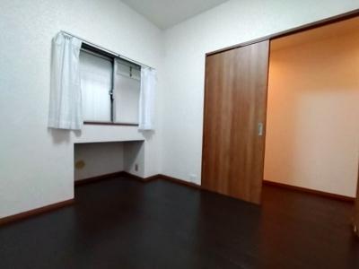 洋室は引き戸で空間を有効利用できます。