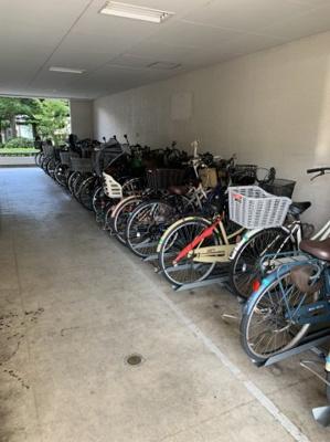 マンションの駐輪場です。