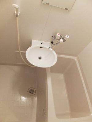 浴室換気乾燥機付なので、雨の日のお洗濯もラクラク♪