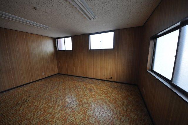 【居間・リビング】真田貸事務所