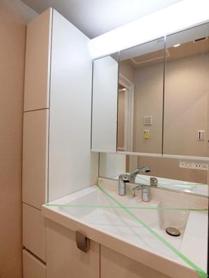 【独立洗面台】ライオンズマンション横浜第2A館