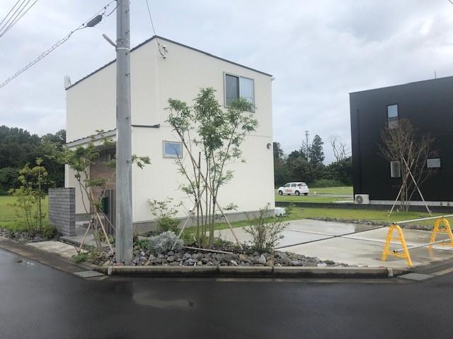 【前面道路含む現地写真】元石川町中古一戸建て