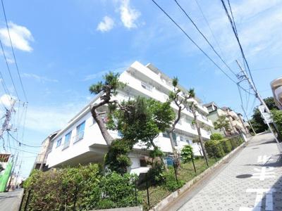総戸数22戸、昭和49年8月築、自主管理につき管理費を安く抑えられます。