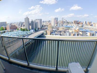 北側バルコニーからの眺望。隅田川view