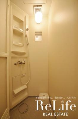 シャワールーム(共用)常に清潔に保たれています