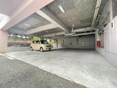 【駐車場】シャルマンローズ