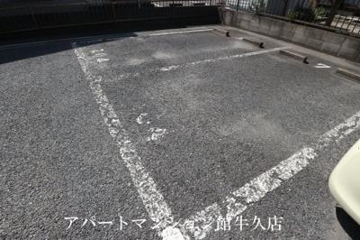 【駐車場】PLUMファミール1