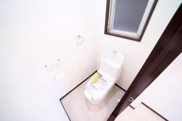 2階、トイレ新規交換済みです。