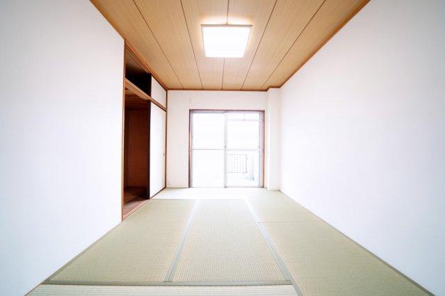 3階、南側の和室です。
