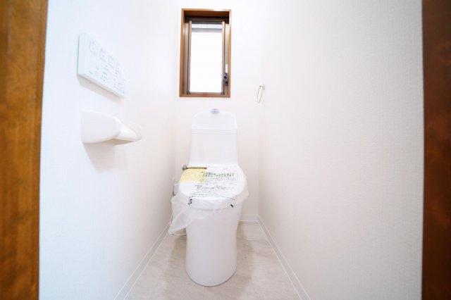 1階、トイレ新規交換済みです。