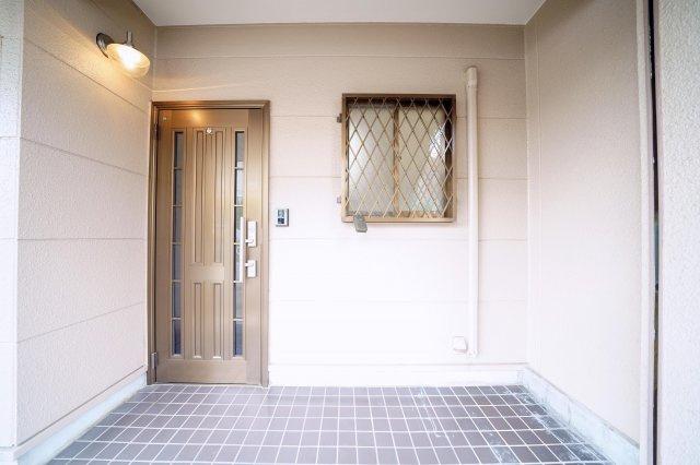 1階の玄関です。