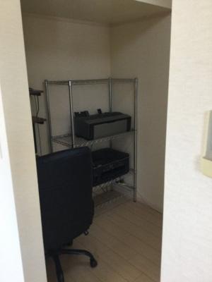 2階東側洋室(主寝室)書斎スペースです。