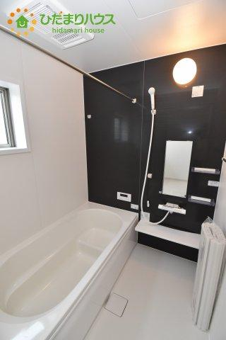 【浴室】伊奈町西小針 1期 新築一戸建て 02