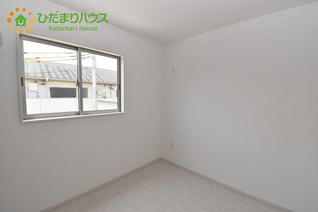【洋室】伊奈町西小針 1期 新築一戸建て 02