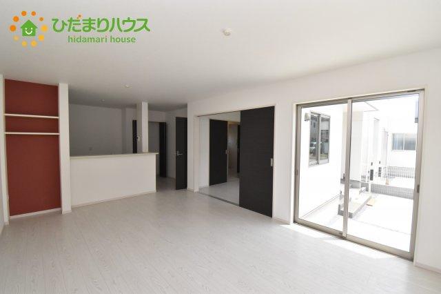 【居間・リビング】伊奈町西小針 1期 新築一戸建て 02