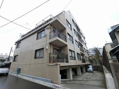 総戸数15戸、昭和46年3月築、自主管理物件です。